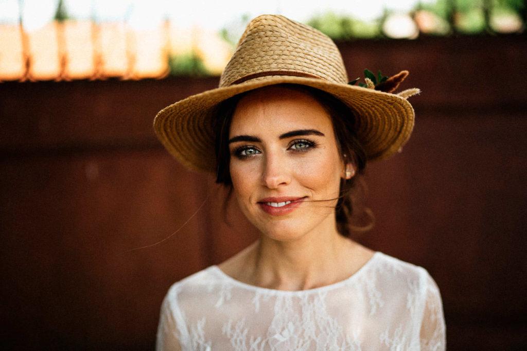 Nevěsta se slaměným kloboukem